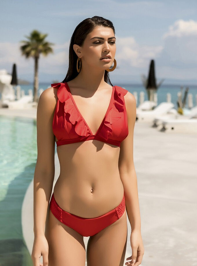 Bikini with ruffle details on top