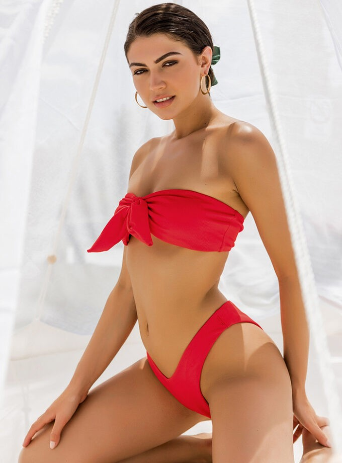 Bikini with knotted center-Red