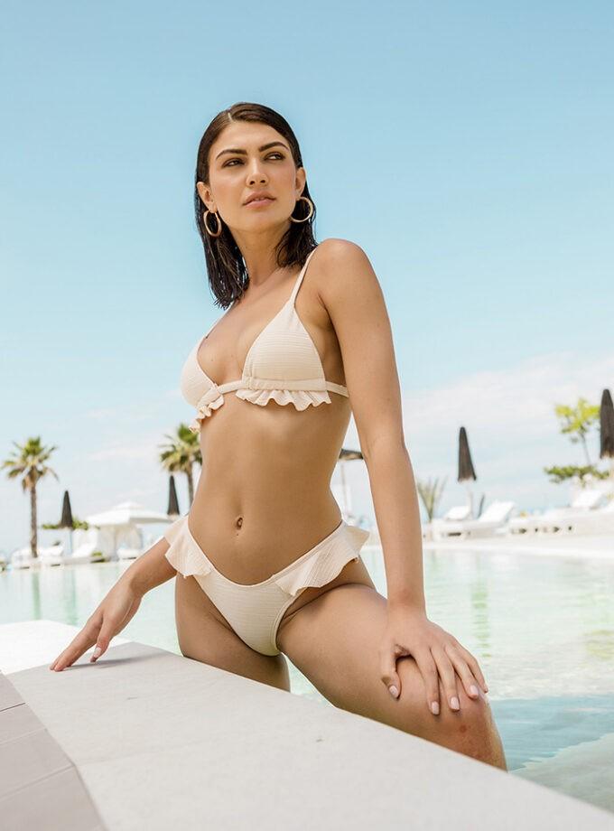 Bikini with ruffles