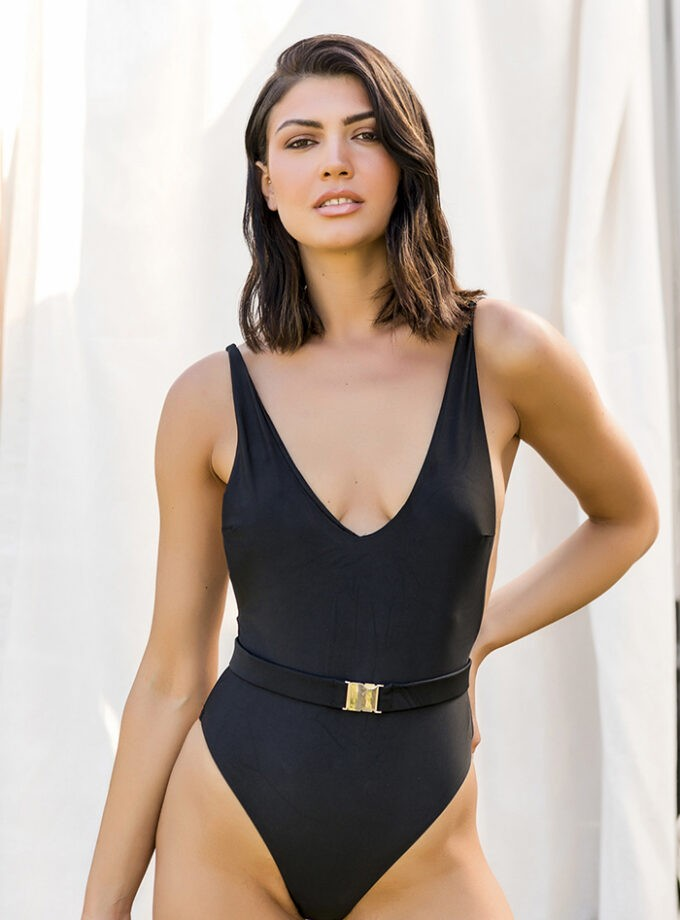 One piece with belt and an open back-Negro