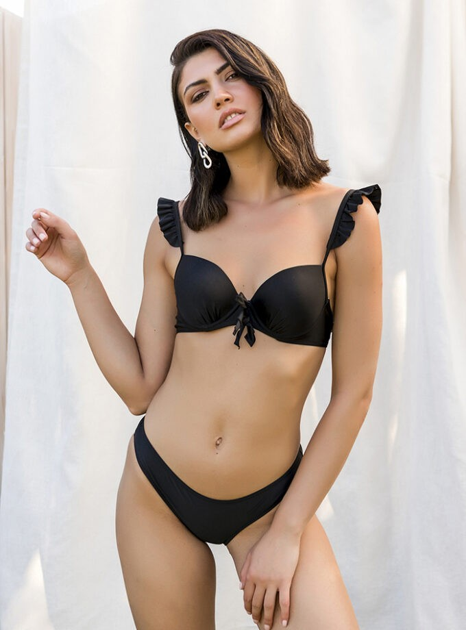 Stunning bikini with ruffles on the straps-Negro