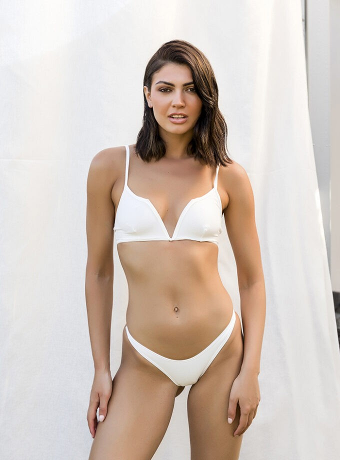 Bikini with V shape on top-White